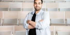 Stand-upcomedian Kamal Kharmach gaat bedrijven adviseren