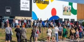 Stormloop voor uitverkoop Brantano, politie sluit winkel in Koksijde tijdelijk