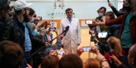 Na dag getouwtrek mag Navalni toch opvliegtuig naar Duitsland