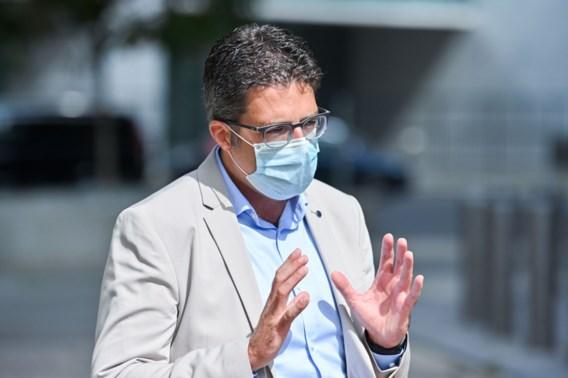 Van Gucht: 'Als cijfers niet sterker dalen, vergroot kans dat virus opduikt op school'