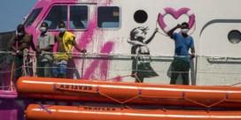 Banksy financiert reddingsschip in Middellandse Zee