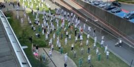Medewerkers van UZ Gent dansen samen op zomerhit 'Jerusalema'