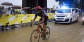 Philippe Gilbert heeft gebroken knieschijf en verlaat Tour na val in openingsrit