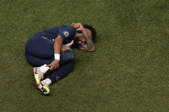 Miljoenendans om de voetbalschoenen van Neymar