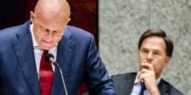 Nederlandse minister emotioneel tijdens spijtbetuiging na overtreding coronaregels