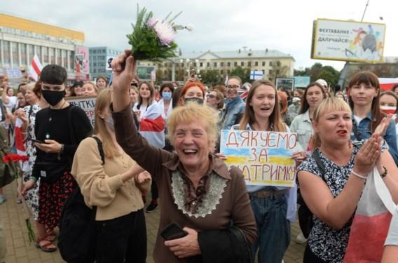Duizenden Wit-Russische vrouwen de straat op tegen Loekasjenko