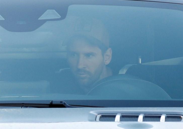 Lionel Messi voor het eerst weer op training bij Barcelona