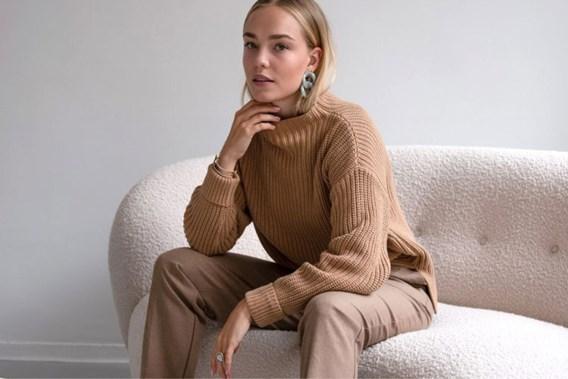 De stijlgeheimen van Justine Kegels: 'Draag nooit te veel zichtbare merken op elkaar'
