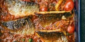 Vis uit de oven in tahinisaus