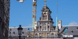 Antwerps stadhuis langzaamaan uit de stellingen
