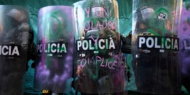 Bloederig protest eist 13 doden in Colombia nadat politie man tasert: 'Vergeef ons'