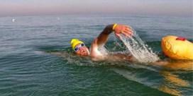 Matthieu Bonne zwemt als eerste hele Belgische kustlijn af