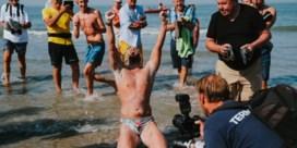 Matthieu Bonne uit 'Kamp Waes' zwemt als eerste ooit hele kustlijn af