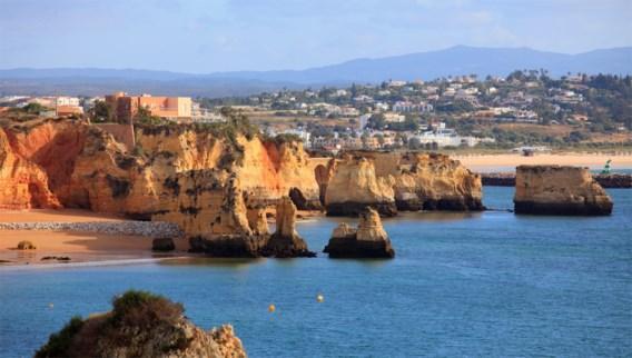 Zeker 66 jongeren besmet na verblijf in Algarve, Portugal onderzoekt besmettingshaard