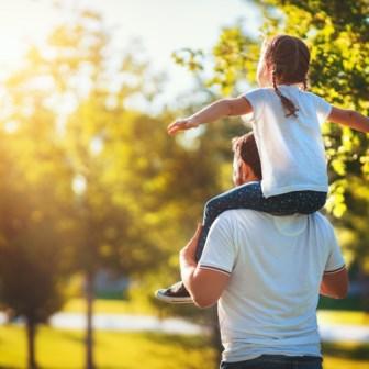 Er wordt gedacht aan een verdubbeling van het belastingkrediet voor kinderen ten laste en een uitbreiding van de belastingvermindering voor kinderoppas.