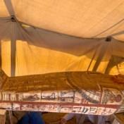 Archeologen graven nog eens veertien sarcofagen van 2.500 jaar oud op