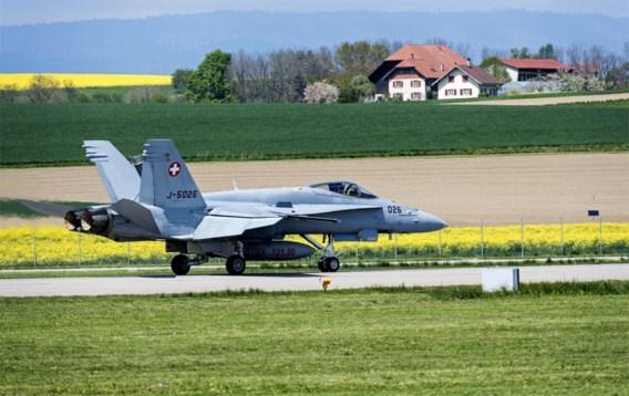 Kritiek op Zwitserse investeringsplannen gevechtsvliegtuigen: 'Wie is onze vijand?'