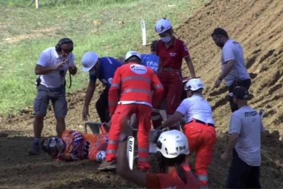 """Ex-wereldkampioen motorcross Jeffrey Herlings was half uur verlamd na val: """"Ik kan amper beschrijven hoe vreselijk dat was"""""""