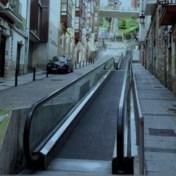 Trambus wordt begraven in Hoog Kortrijk, daar is bewegend voetpad