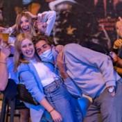 LIVEBLOG. Herman Goossens: 'We gaan een brief sturen naar de studenten, draag wél een mondmasker en hou afstand'