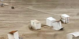 Meerdere gewonden aan kust door storm Odette