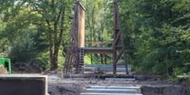 Houten brug 'Fietsen door de heide' krijgt vorm