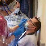 Gemiddeld aantal nieuwe besmettingen per dag stijgt met 40 procent in een week