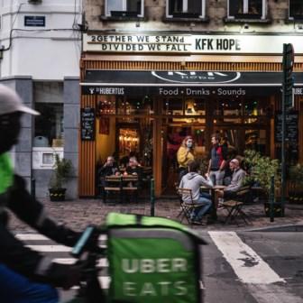 Brussel sluit liever de cafés vroeger dan een lockdown te riskeren