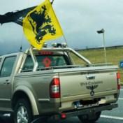 Pick-up trekt aandacht tijdens betoging Vlaams Belang, 'maar niets te maken met nazisme'
