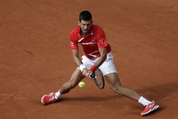 Indrukwekkende Novak Djokovic wint zonder moeite en bereikt derde ronde op Roland Garros