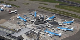 KLM bereikt akkoord over besparingen met vakbonden cabine- en grondpersoneel