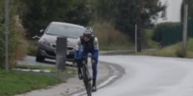 Op de dag dat hij had moeten starten in de Giro: Remco Evenepoel traint voor het eerst op de weg