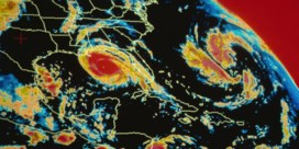 Storm Delta wordt orkaan en bedreigt Mexico en de VS