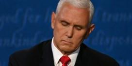 Vlieg blijft minutenlang op haar van Pence zitten tijdens debat