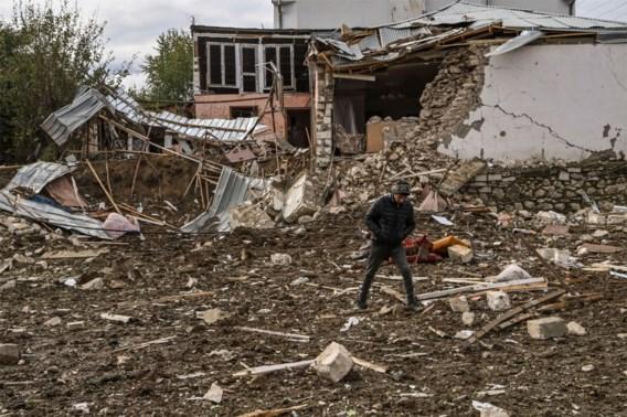 Stepanakert weer gebombardeerd, Poetin: 'Rusland niet verplicht in te grijpen in conflict Nagorno-Karabach'