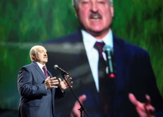 Wit-Russische president Loekasjenko overlegt met oppositieleden in gevangenis