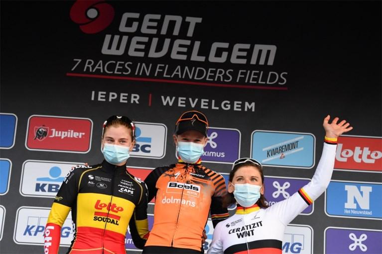 """Jolien D'hoore wint Gent-Wevelgem voor vrouwen: """"Eindelijk is het gelukt"""""""