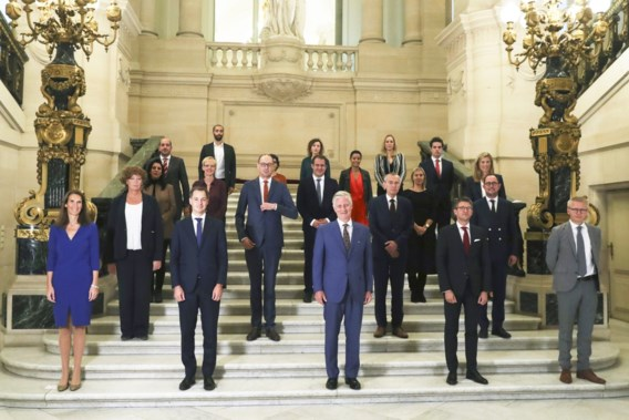 Nieuwe regering telt flink meer kabinetsleden