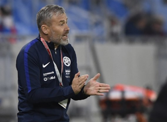 Slovaakse bondscoach Pavel Hapal en vijf stafleden testen positief op Covid-19 en moeten Nations League-match tegen Israël missen
