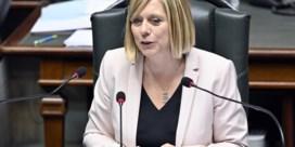 Eliane Tillieux (PS) verkozen tot Kamervoorzitter, Dewael (Open VLD) wordt gewoon lid