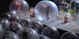 The Flaming Lips houdt concert voor publiek in opblaasbare bubbels