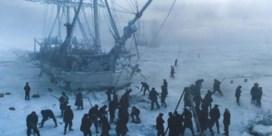 Beenhard bibberen op bevroren boten