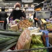 Supermarkten vragen klanten om alleen en op rustigere momenten te komen winkelen