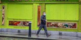 Ondanks 'plan om met covid-19 te leven' gaat Ierland weer op slot