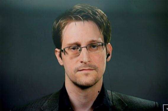 Klokkenluider Edward Snowden krijgt permanente status in Rusland