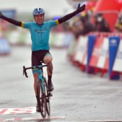 Spektakel in Vuelta: Izagirre wint kletsnatte bergrit, Carapaz pakt rode trui