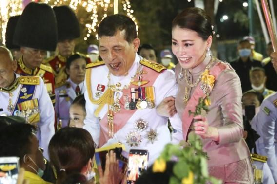 Thaise demonstranten gebruiken Duitse wet om koning in het nauw te drijven