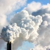 Coronablog | Luchtvervuiling doet mortaliteit covid-19 toenemen met 21 procent in België