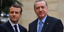 Charlie Hebdo zet spotprent over Erdogan op cover na oplopende spanning met Macron