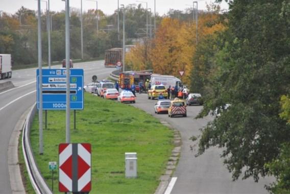 Drie doden na ongeval met spookrijder op E19 in Machelen